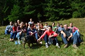 14 (Fast) vollständiges Gruppenfoto auf der Karpatenwanderung im Umland von Jasinja. © O.Hegedues