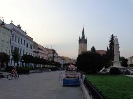 14 Hauptstraße in Prešov mit Blick auf den Dom des hl. Nikolaus. © N.Gutsul