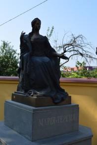 2 Maria-Theresa-Statue gegenüber der griechisch-katholischen Kathedrale in Užhorod. © O.Hegedüs