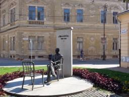 3 Denkmal für den Schriftsteller Sándor Márai, der in Košice seine Jugend verbracht hat. © N.Gutsul