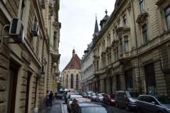 4 Blick aus der Iuliu-Maniu-Straße (Strada Iuliu Maniu) auf die Kirche St. Michael in Cluj-Napoca. © O.Hegedues