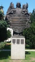 9 Die historischen und das aktuelle Stadtwappen von Košice. © L.Gläsmann